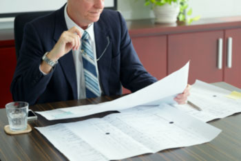 What investors can hold a FIS?